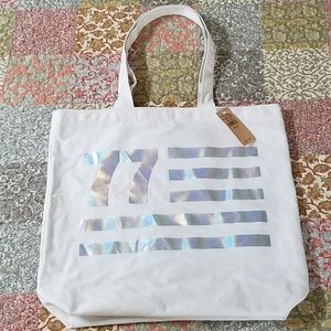 NWT AMERICAN EAGLE OUTFITTERS TOTE CREAM/SILVER
